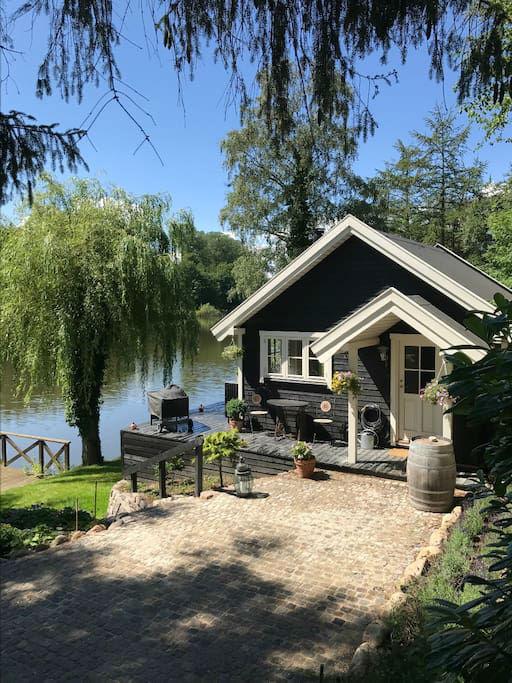 Fairy Tale Wood Lake House In Copenhagen Decoholic