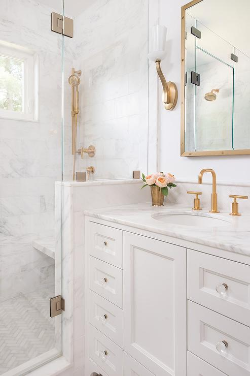 Perfect Bathroom Ideas With Gold 13