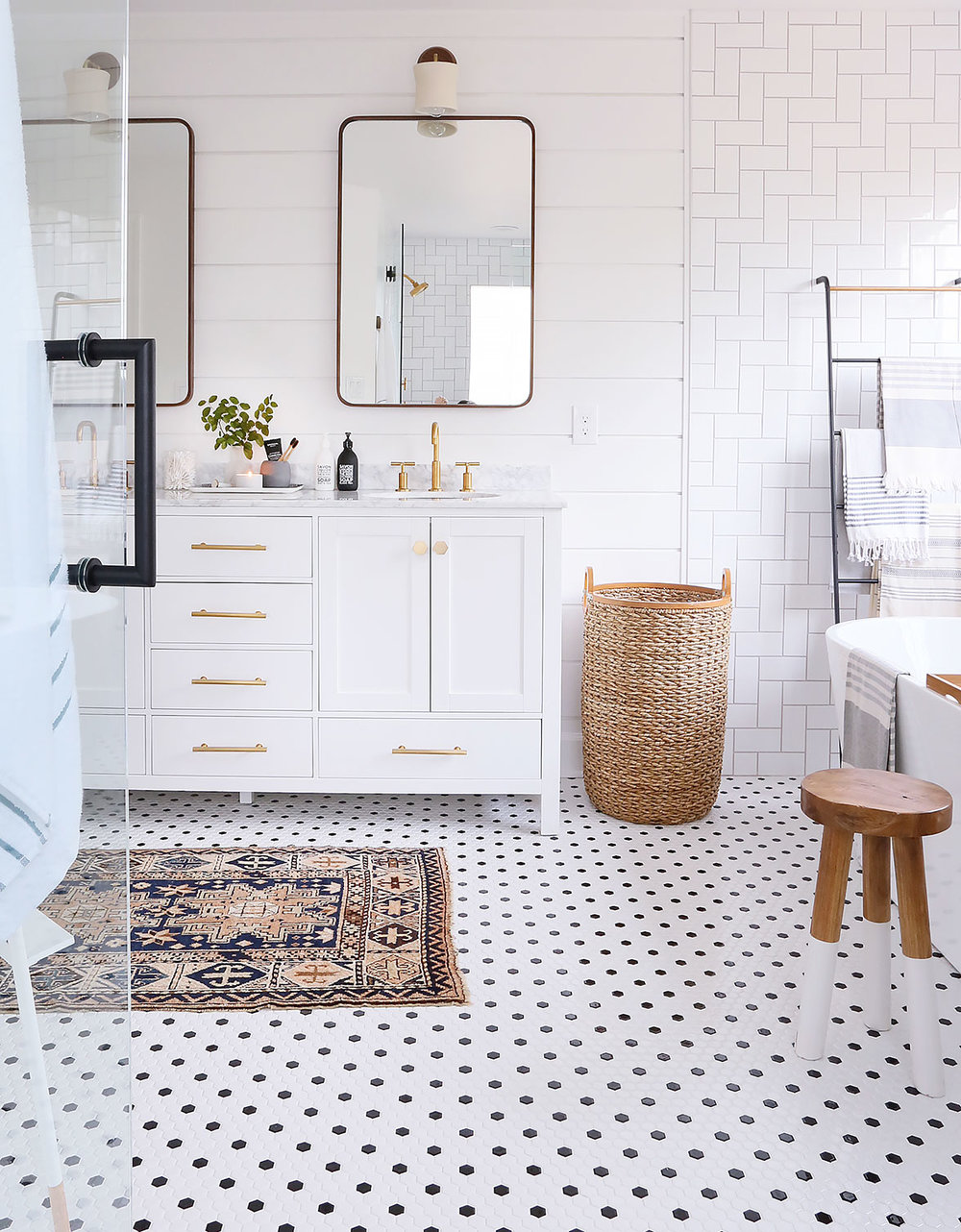 Bathroom Ideas With Gold 16