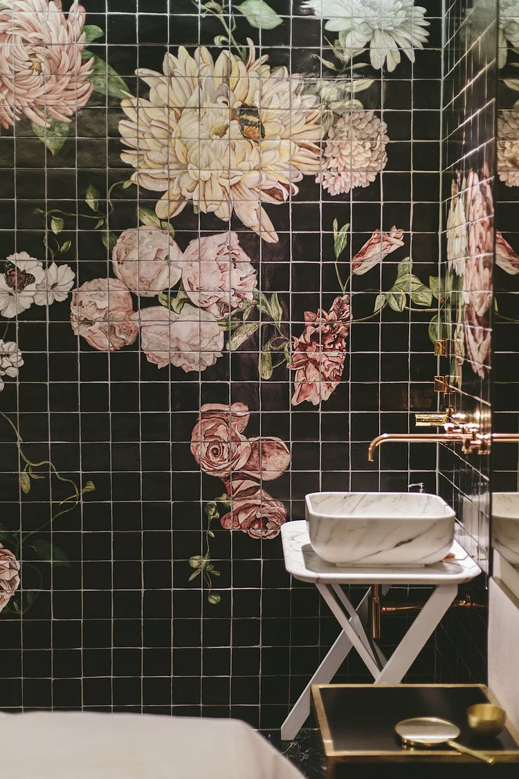 floral wallpaper with gold touches