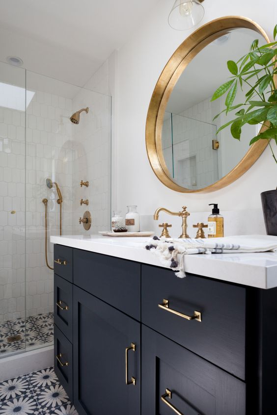 black white gold bathroom idea