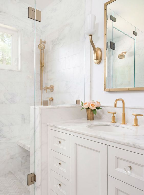 Bathroom Ideas With Gold Touches 26