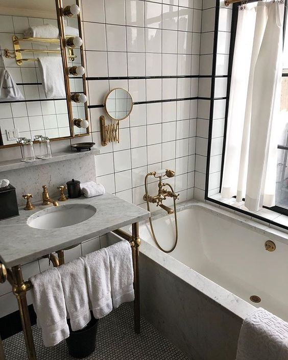 Bathroom Ideas With Gold Touches 32