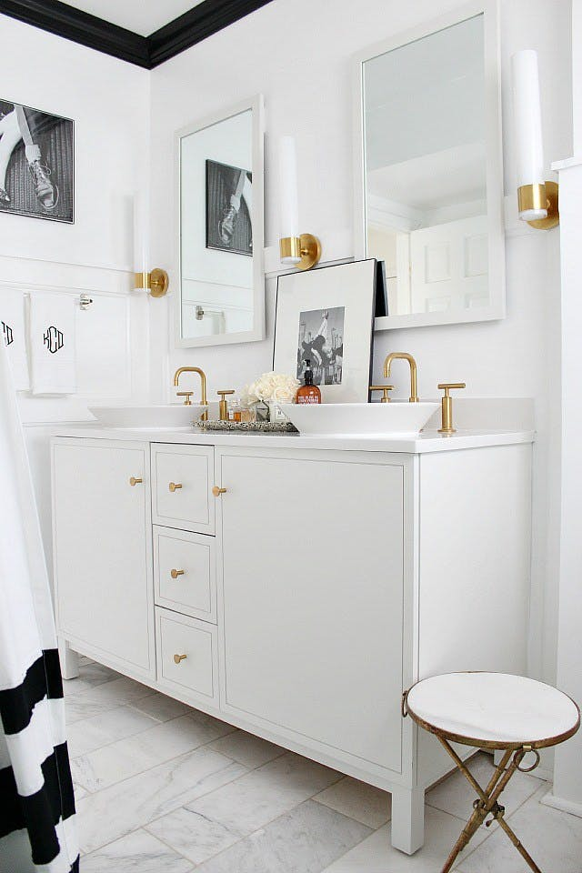Bathroom Ideas With Gold Touches 34