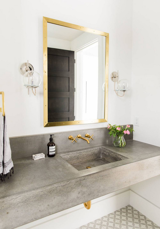 Bathroom Ideas With Gold Touches 37
