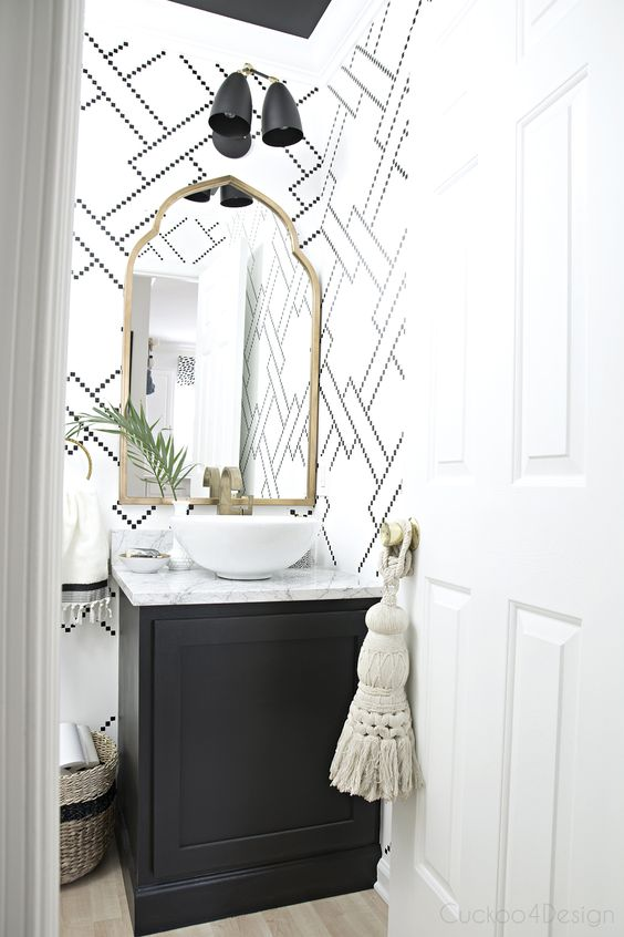 Bathroom Ideas With Gold Touches 39