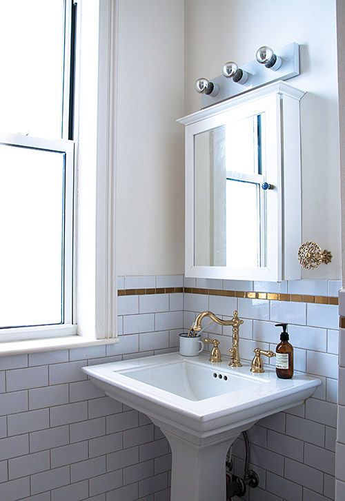 gold bathroom idea 41