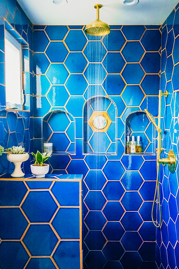 gold bathroom idea 47