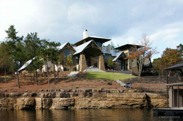 Dream Lakefront Retreat 16
