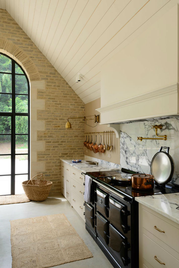 Classic English Kitchen Designs 9