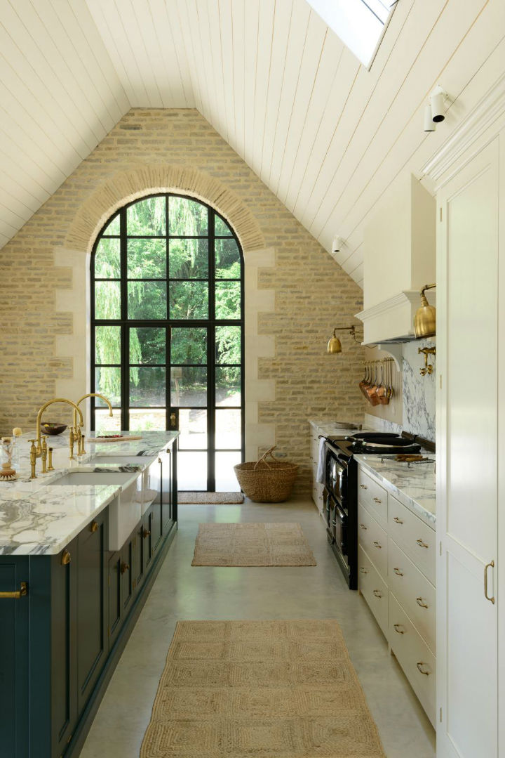 Classic English Kitchen Designs 3