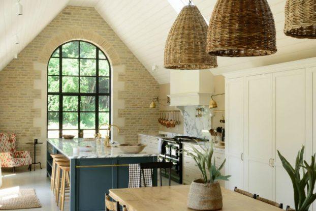 Classic English Kitchen Designs