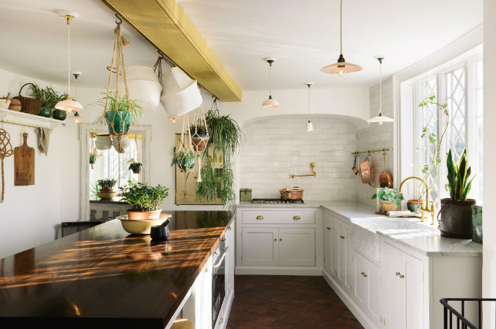 Classic English Kitchen Designs 1417