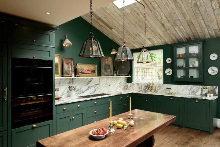 Classic English Kitchen Designs 11