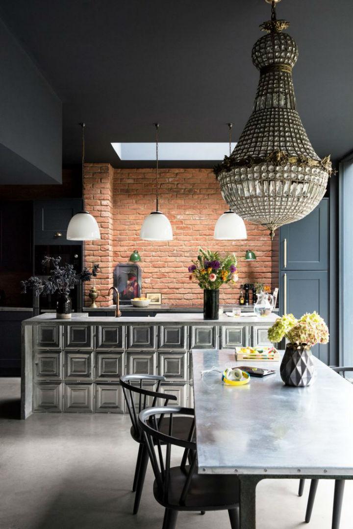 dramatic home style interior design 15
