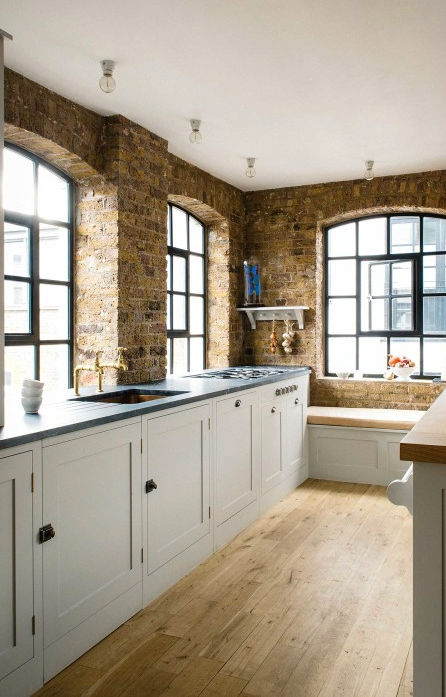 Traditional English Kitchen Design idea 10
