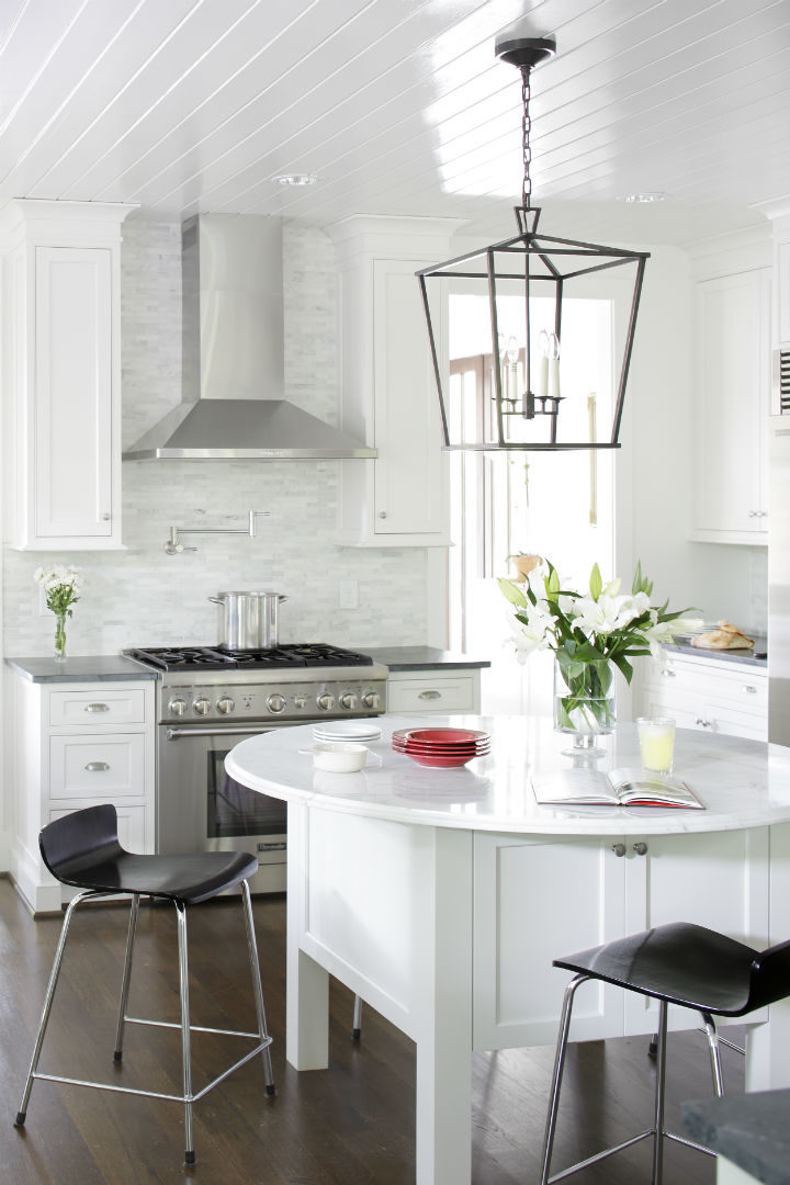 Timeless and Singular Kitchen Design 12