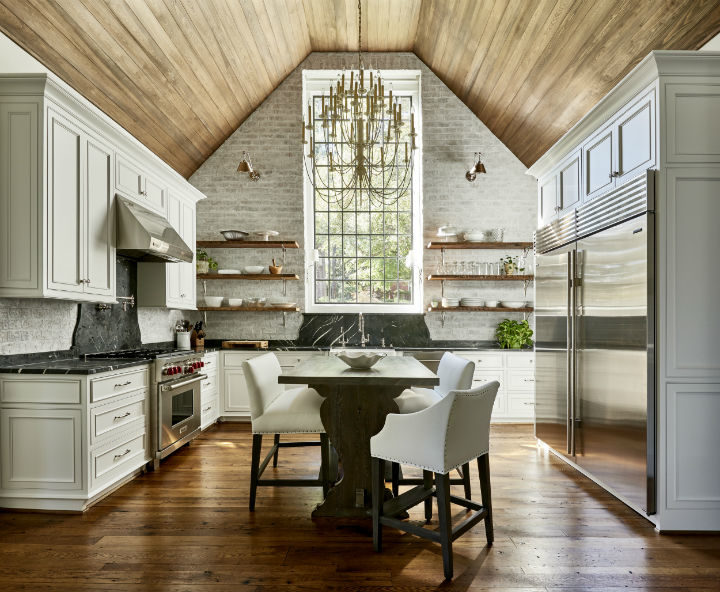 Timeless and Singular Kitchen Design 9