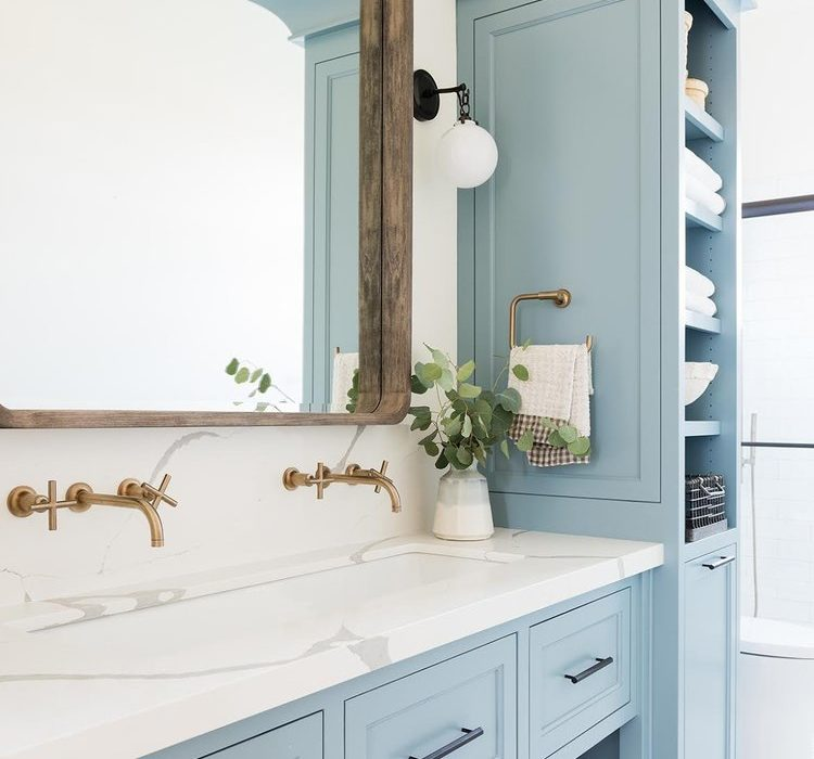 blue bathroom idea with gold touches