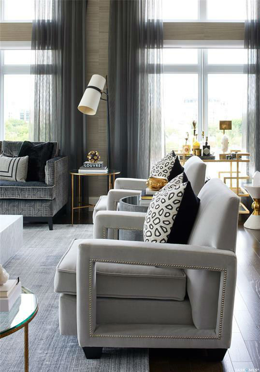 Glamorous Chic and Sophisticated Interiors 11