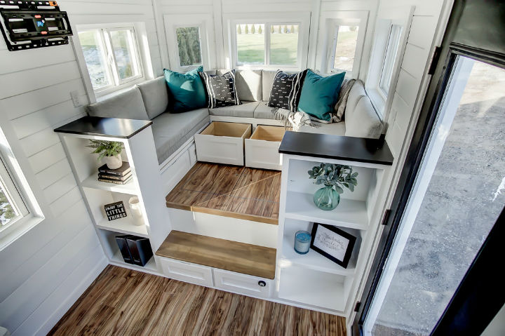 tiny stylish trailer home interior design 20