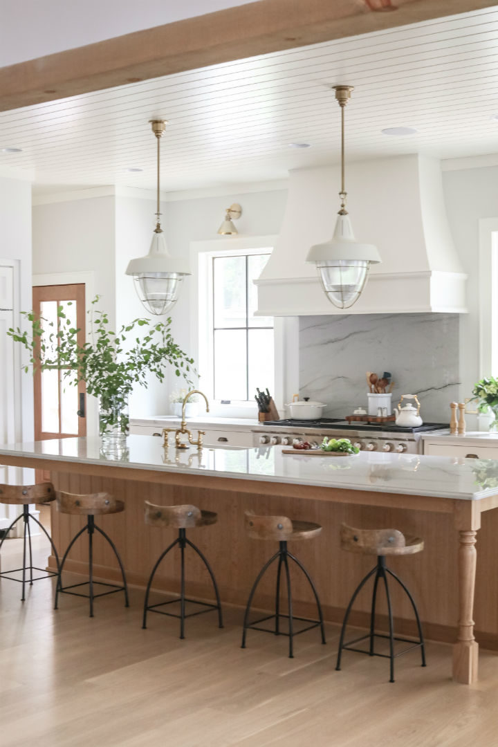 Visually Stunning kitchen design idea 12
