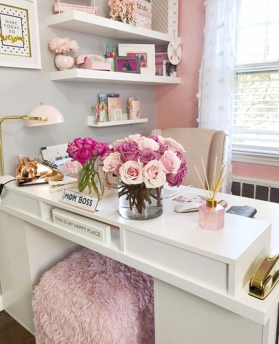 Office Desk Arrangement decorating idea