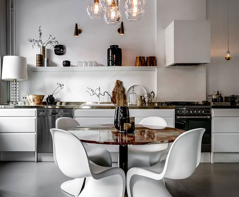 Kitchen With Seating Design Idea