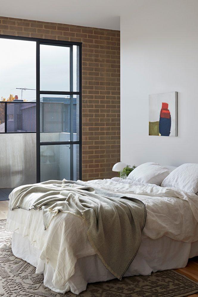 award wining minimalist interior design 21