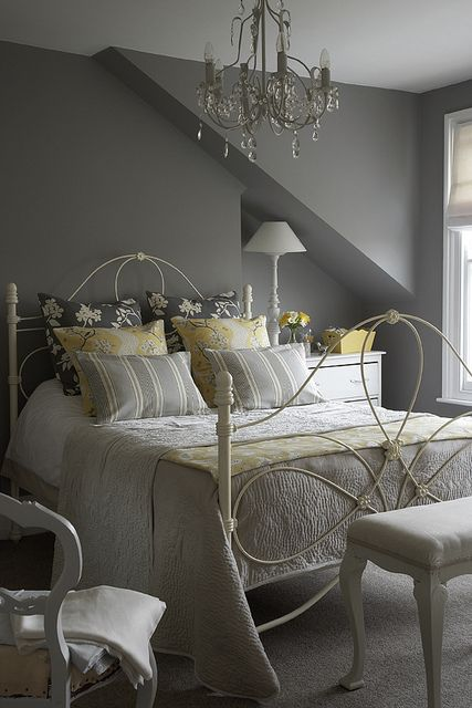 grey bedroom design idea 4