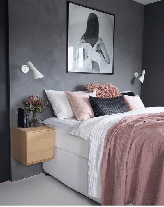 gray and pink pillows