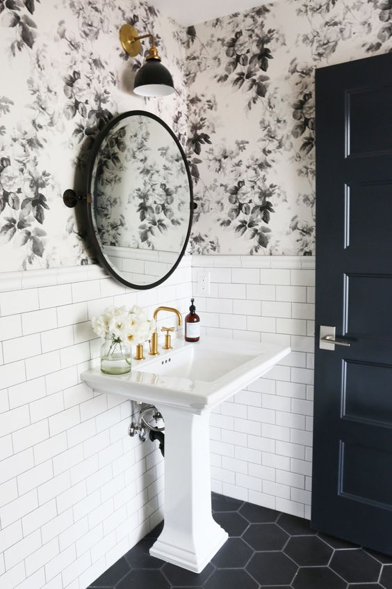 powder bath wallpaper design idea