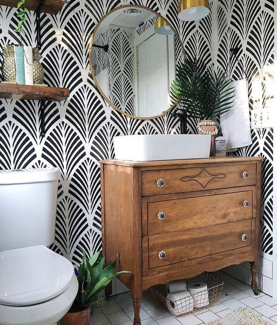 black and white wallpaper bathroom design idea