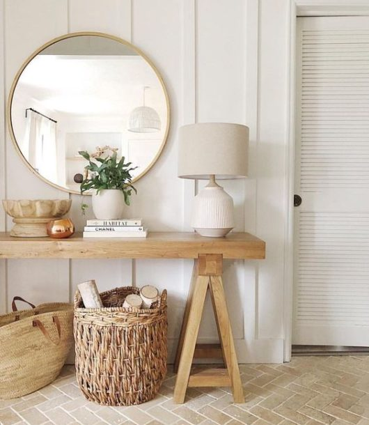 Tips for Decorating Your Entryway Console Table Like a Pro