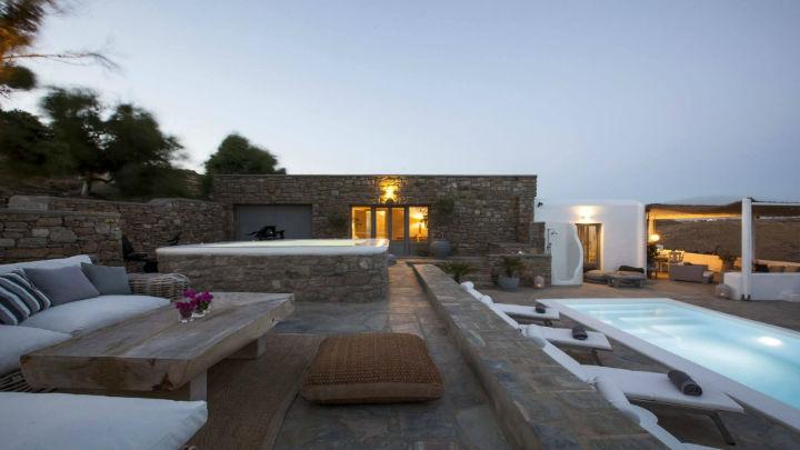Mykonos luxury villa rentals 17