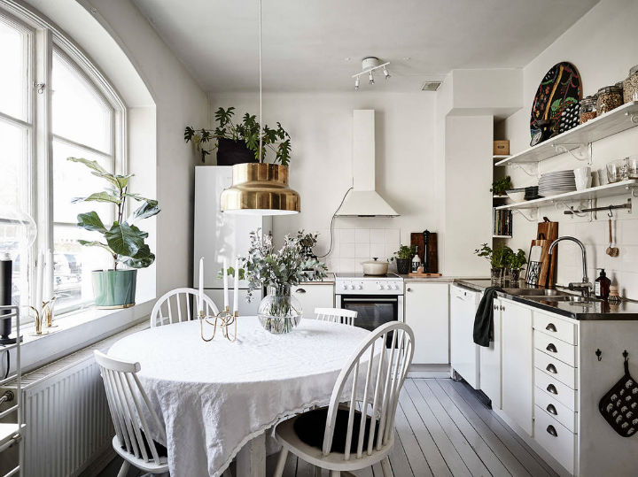 white Scandinavian kitchen gold pendant