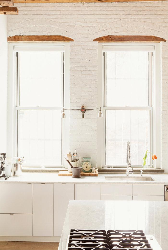 all white kitchen design idea 19