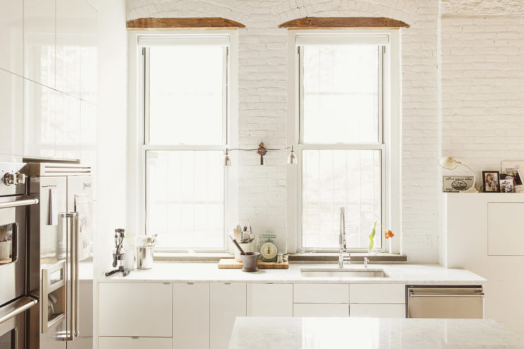 all white kitchen design idea 21