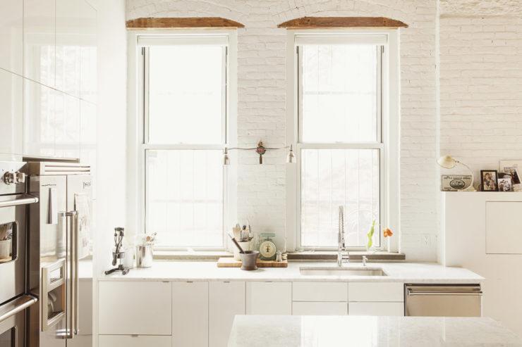 all white kitchen design idea 21