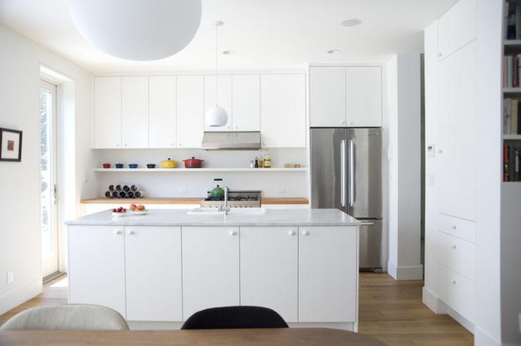 all white kitchen design idea 24