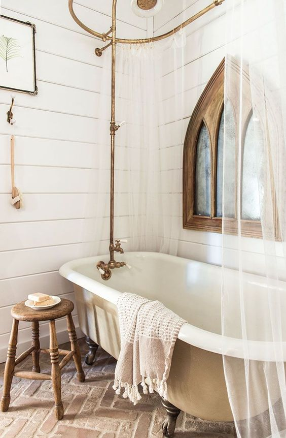 farmhouse bathroom with Clawfoot Tub