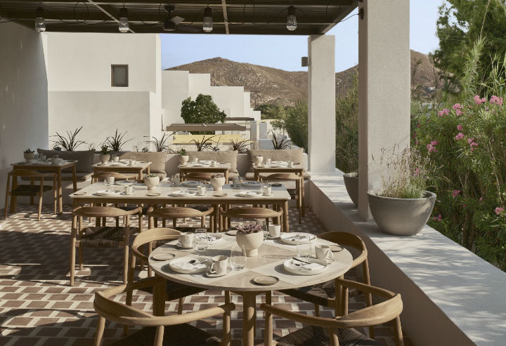 contemporary greek design hotel on Paros 5