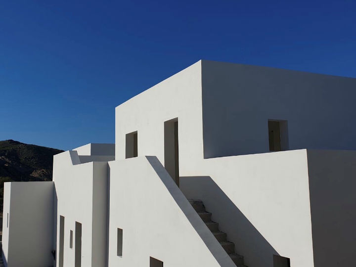 contemporary greek design hotel on Paros 8