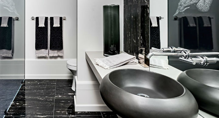 luxury avant garde Canadian home 8