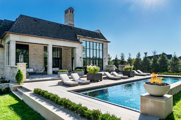 luxury avant garde Canadian home 9