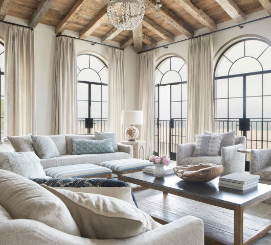 Interiors Inspired by Modern Classicism 19