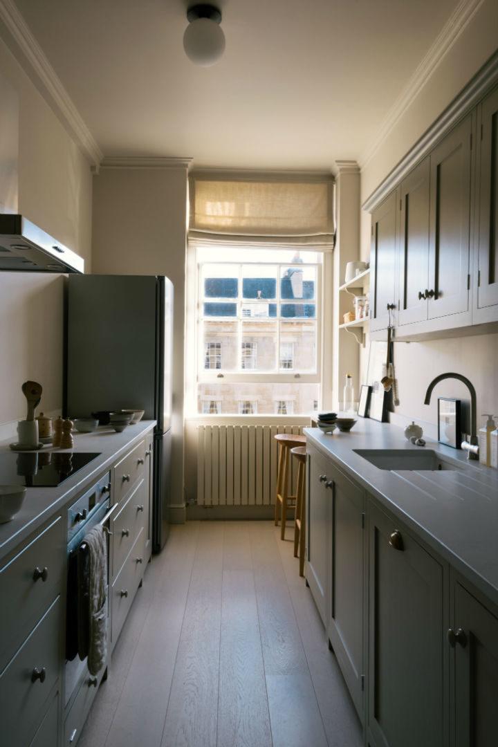 English Shaker Kitchen Design 19