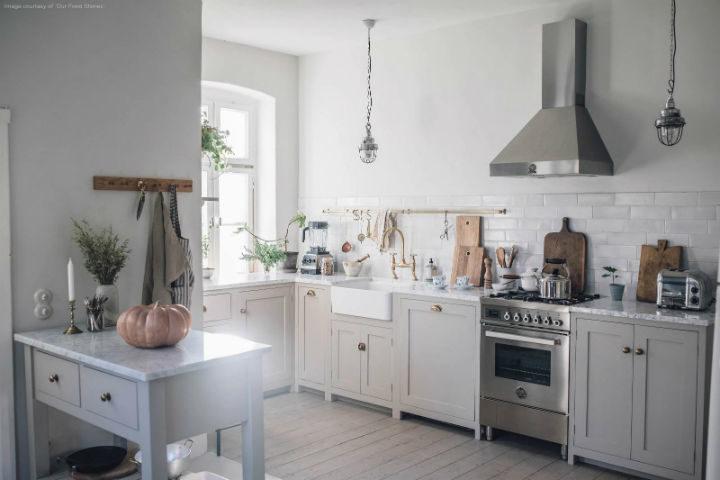 English Shaker Kitchen Design 37