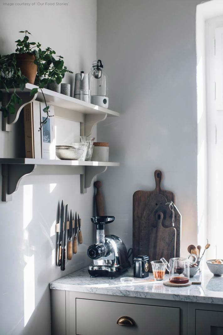 English Shaker Kitchen Design 38