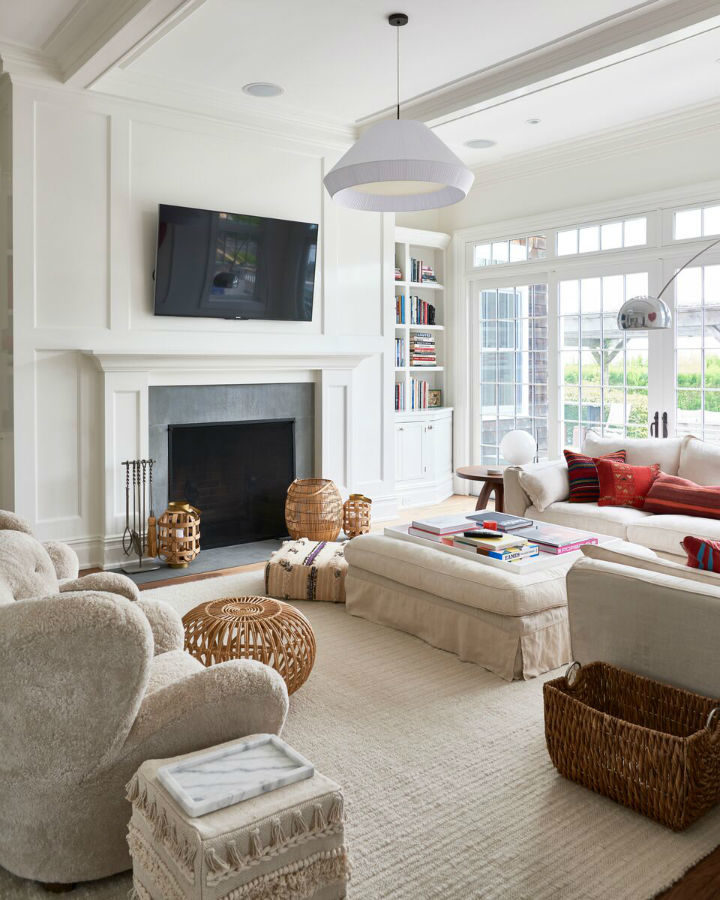 Sophisticated Comfortable and Chic Interior 7